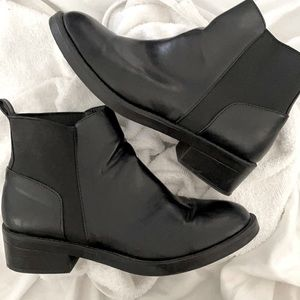 Candie's Woman's Dope Leather Ankle Boot